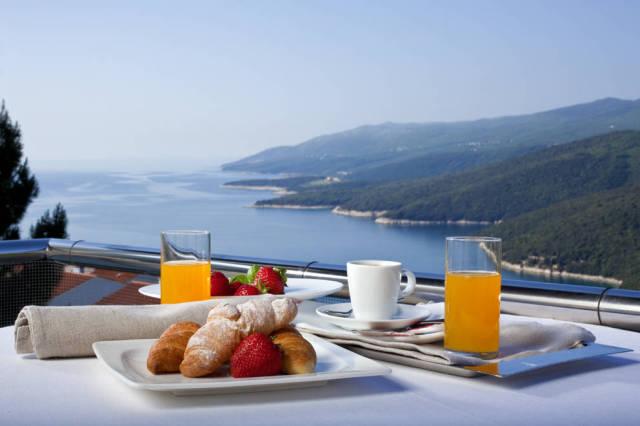 Villa-Annette-Rabac-breakfast-view